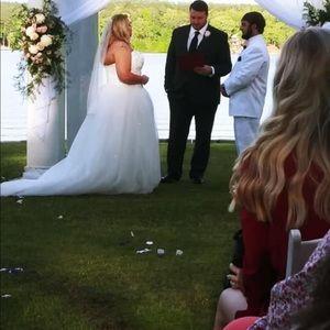 Vera Wang Dresses - Wedding gown